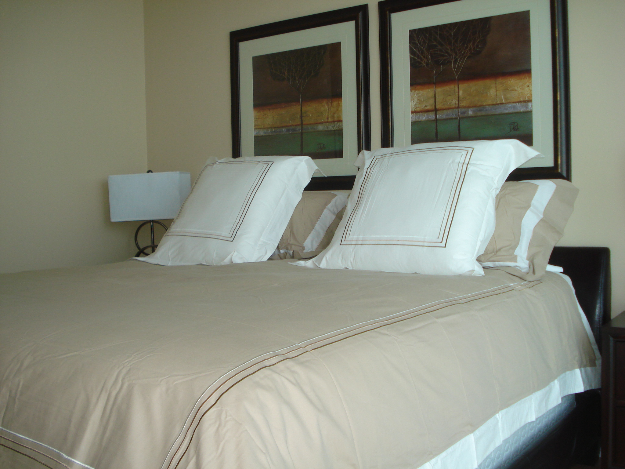 King Size Bed in Master in large suites